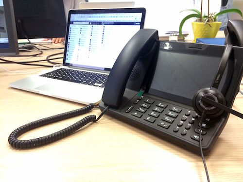 Il Wildix WP600A sulla scrivania dell'ufficio, come strumento definitivo di comunicazione.